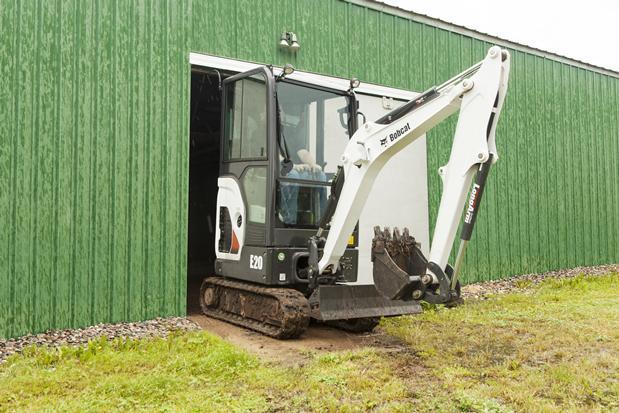 mini excavator bobcat418 la lucru in spatii inguste
